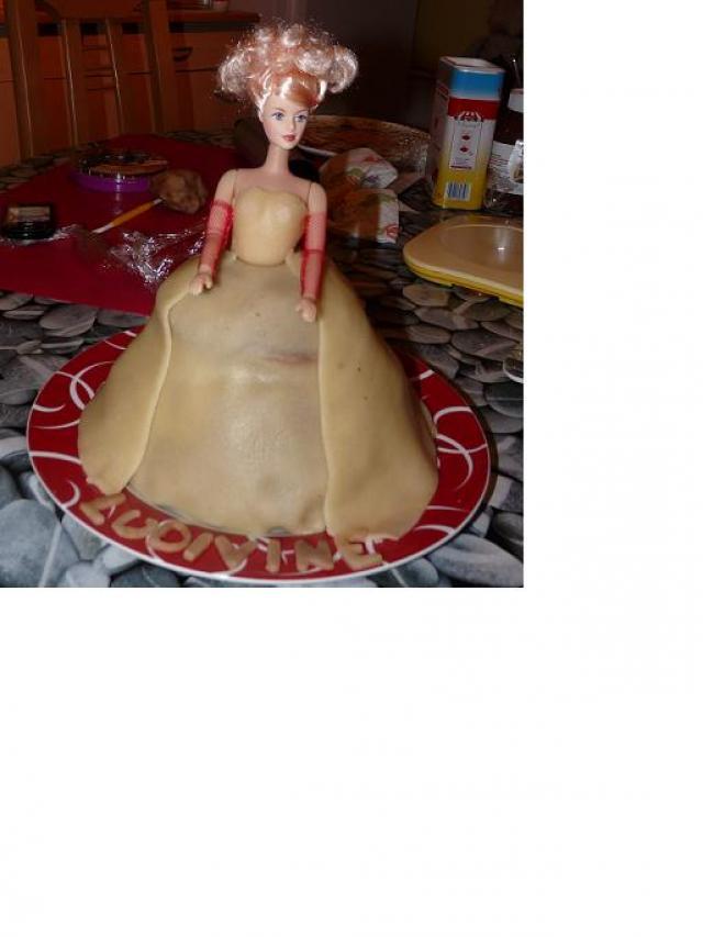 gâteaux costumes de mariés Gateau-mariee-1cfd6cf